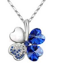 leaf-clover-pendant-necklace.jpg